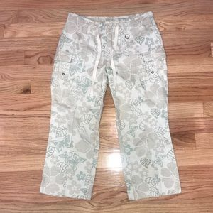 LIMITED TOO GIRLS FLORAL CAPRIS PANTS 14